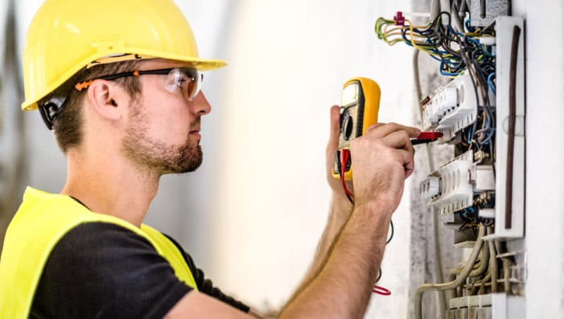 Hiring an Electrician: 5 Critical Things to Look For